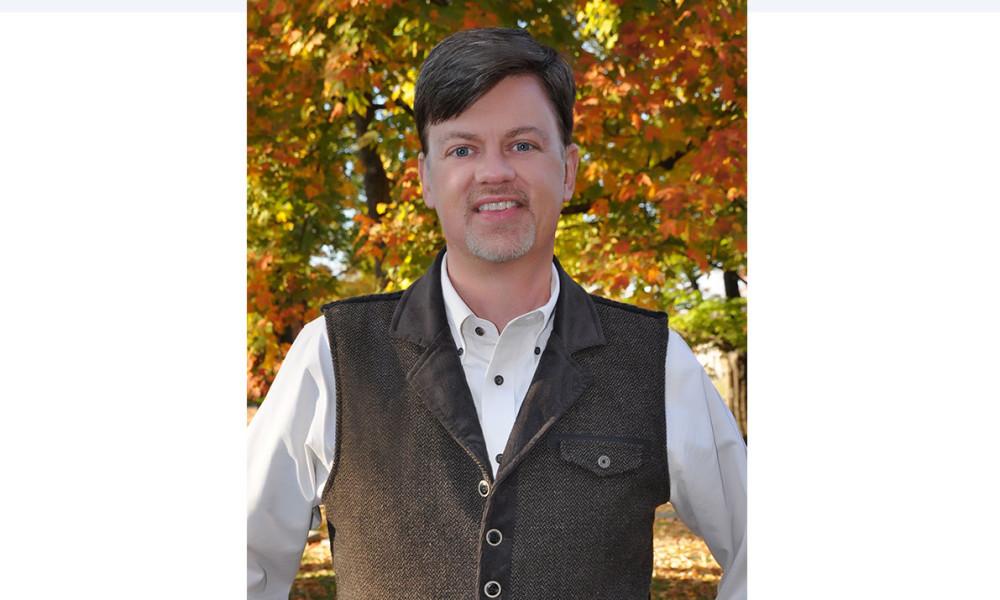 A photo of Ken Martinson.