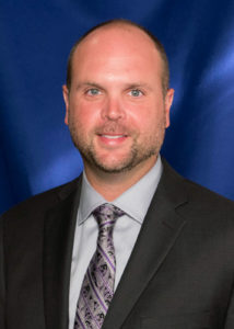 A photo of Dr. Jeremy Earnhart.